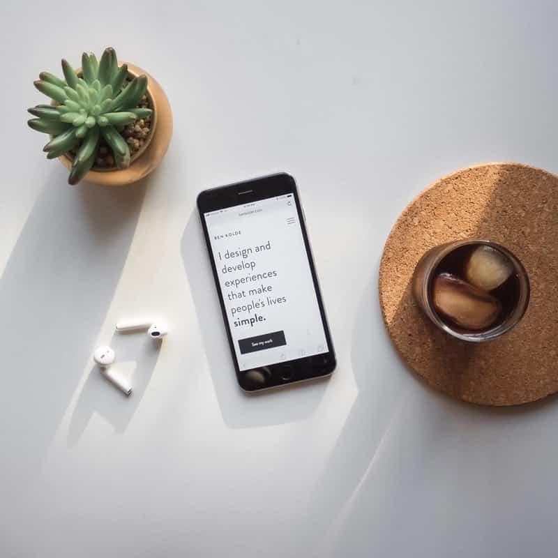 Telefono con sim Ho Mobile inserita